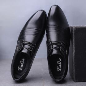 男士休闲皮鞋尖头一脚瞪
